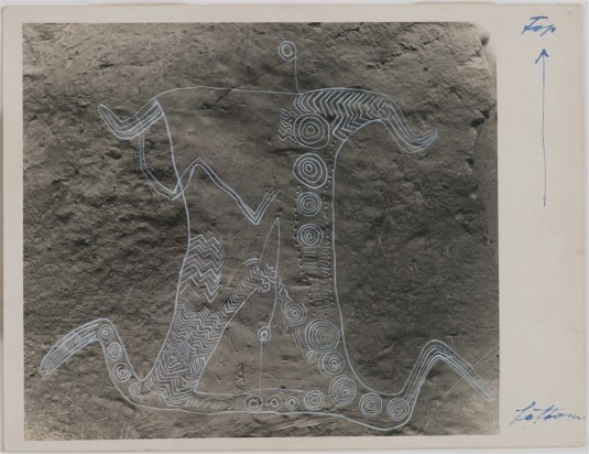 Theo Schoon '46 A Recent Discovery of Incised Figure Resembling Maori Tatoo in Duntroon